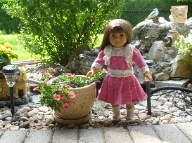 doll knitting pattern - d003 - daisy - pink & white dress