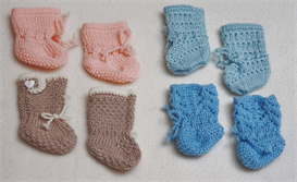 dollknittingpatterns - 0084d felix - 4 doll socks