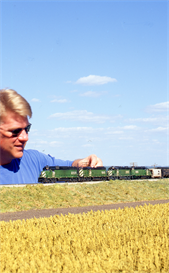 modeling cornfields in ho scale with ken patterson