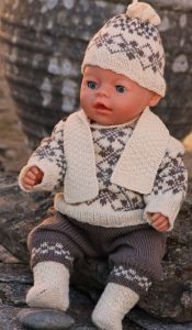 dollknittingpatterns -0108d cora - sweater, pants, cap, scarf and socks