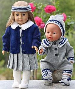 DollKnittingPatterns -0117D GRETE - Faltenrock, Bluse, Unterhose, Cardigan, Socken und Haarband Gretes Schwester: Anzug, Mütze und Socken (Deutsch) | Crafting | Knitting | Other
