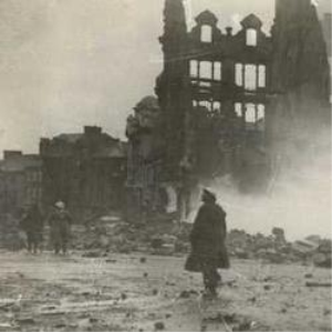 war time bombing swansea