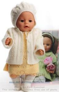 dollknittingpatterns 0129d gyda - kleid, unterhose, jäckchen, haarband, mütze und socken-(deutsch)