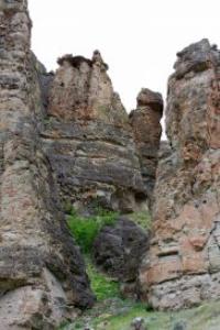 oregon rock formation landscape photo by coralie