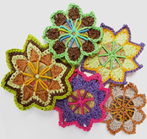 button brooches pattern