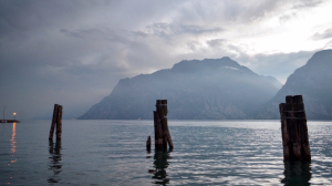 Enigmatic evening in Lago del Garda | Photos and Images | Nature