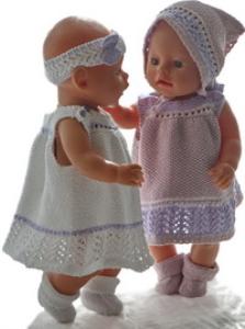 dollknittingpatterns 0194d tuppen & lillemor - sommerkleid, 2 versch. unterhosen, haarband, kopftuch und socken-(deutsch)