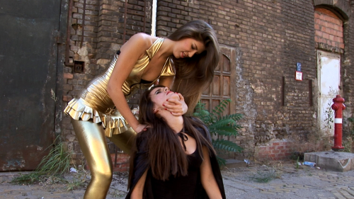 Second Additional product image for - Golden Woman Vs Dark Girl