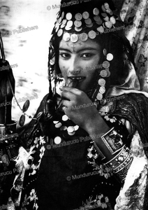 Young Berber girl of the Oeled Nai¨l tribe, Lehnert & Landrock, 1921 | Photos and Images | Travel