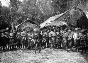 Mentawai chief surronded by women, Christiaan Benjamin Nieuwenhuis, 1890 | Photos and Images | Travel