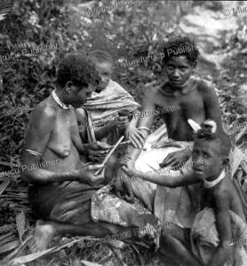 girls tattooing on lolowai¨ island, vanuatu, felix speiser, 1911