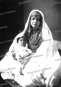 bedouin woman with grandchild, lehnert and landrock, tunisia