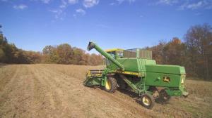 john deere 3300 4400 4420 6600 6620 7700 7701 7720 8820 combine series corn heads operator's manual omh120051