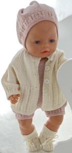dollknittingpatterns 00202d ramona - jacket, romper, bonnet and socks-(nederlands)