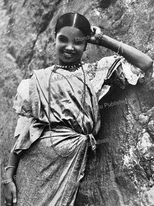 A beautiful Sinhalese woman from Ceylon (Sri Lanka), Albert Friedenthal, 1910   Photos and Images   Digital Art