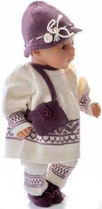 dollknittingpatterns  0037d kirsten - tunica (kjole), bukse, hatt, sko (sokker) og en liten veske-(norsk)