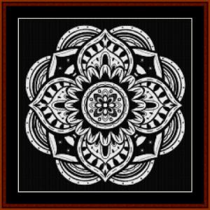 mandala 38 (small) cross stitch pattern by cross stitch collectibles